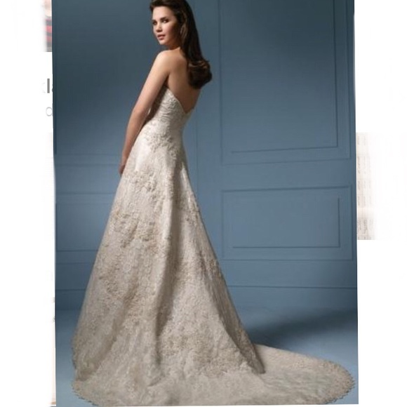 "Alfred Angelo ""Sapphire"" Lace Wedding Dress"